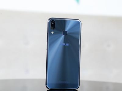 Asus Zenfone 5 2018 giá gần 8 triệu đồng đã về Việt Nam